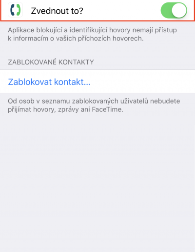 Obrazovka s přepínačem, kterým lze povolit aplikaci přístup k blokování hovorů