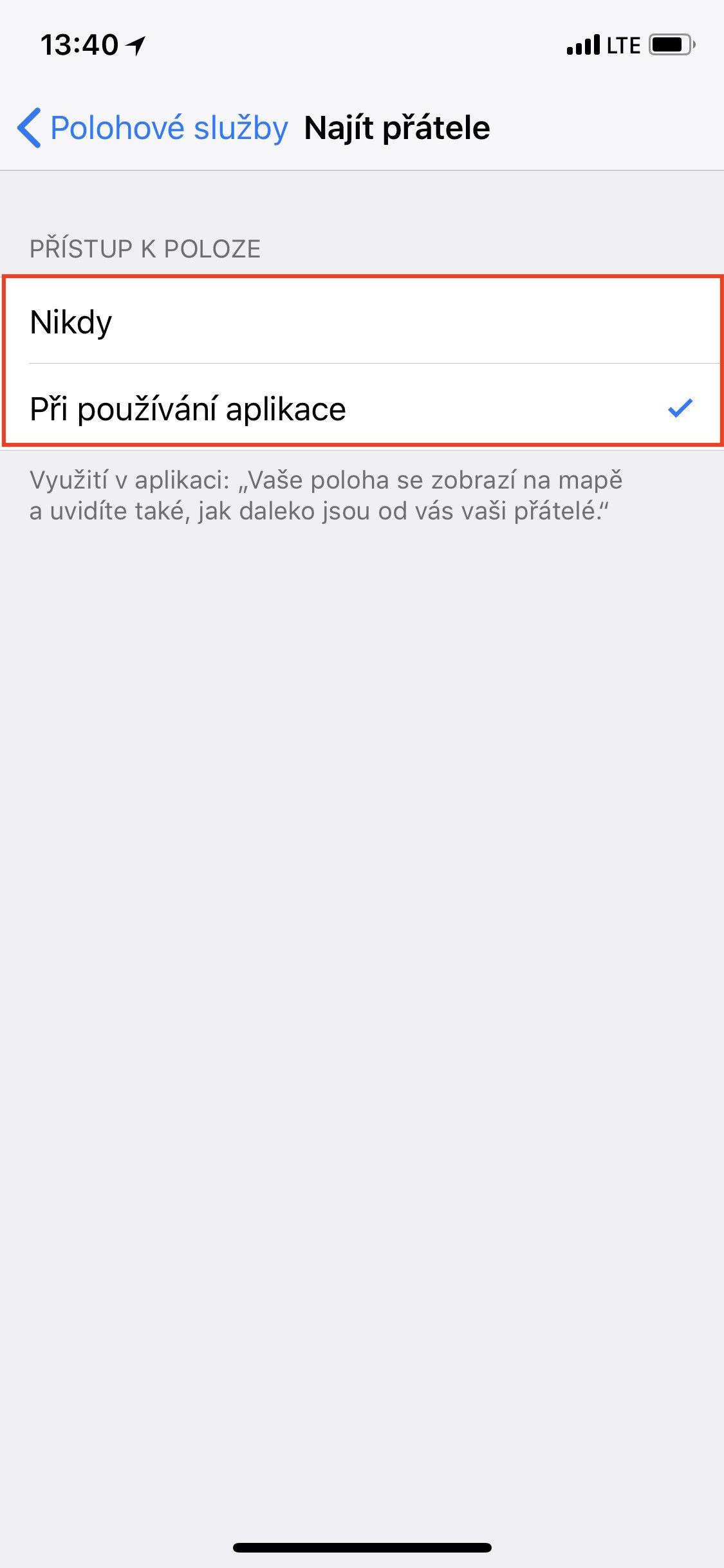 Obrazovka iOS Najít přátele s nastaveným přístupem k poloze