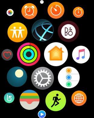 Domovská obrazovka Apple Watch s rozmístěním aplikací do mřížky