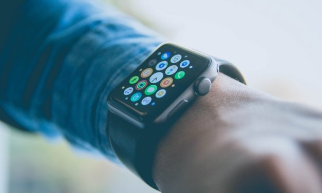 Jak uspořádat aplikace na Apple Watch