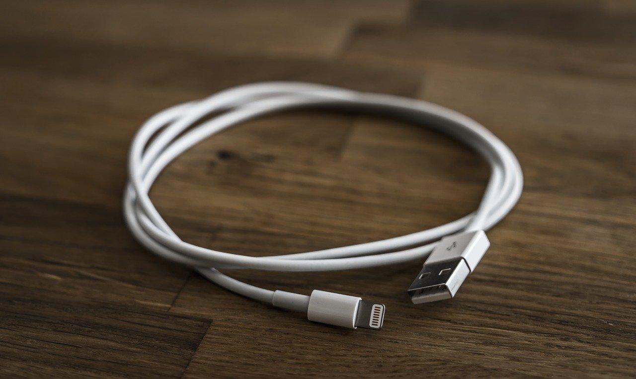 Lightning nabíjecí kabel