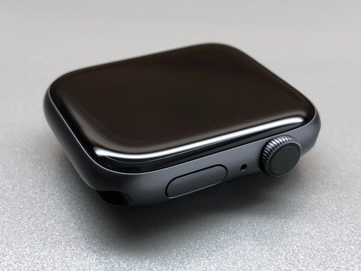 Tělo hodinek Apple Watch Series 4 s tlačítkem, mikrofonem a digitální korunkou