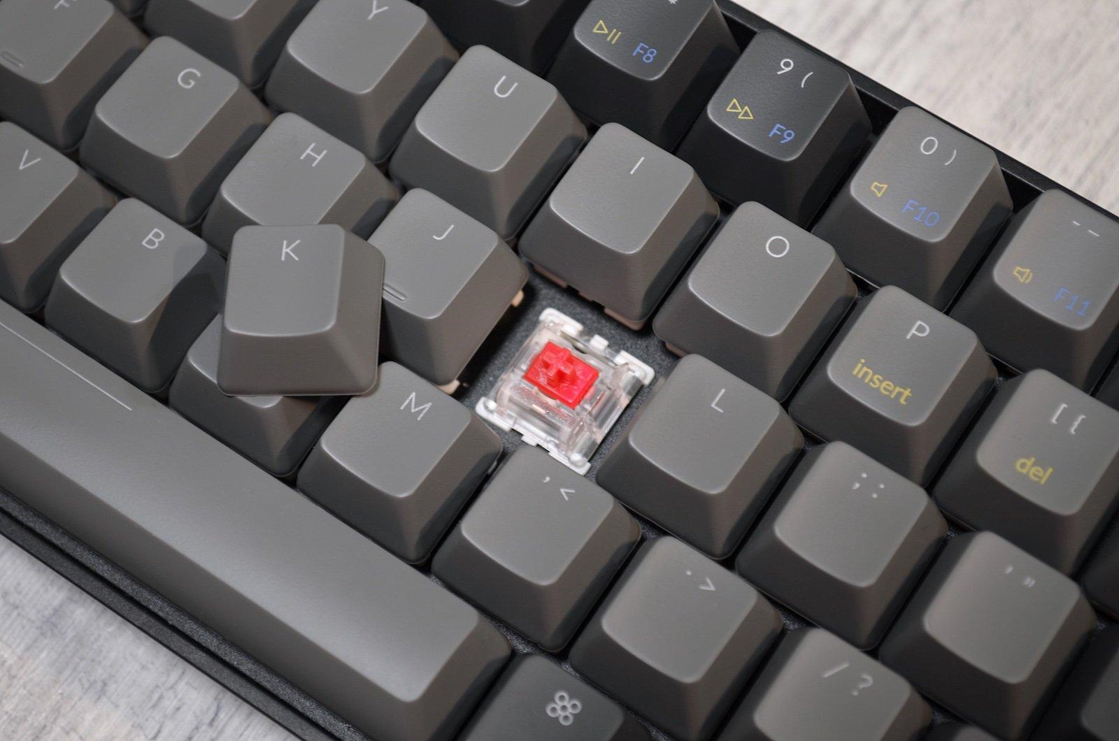 Spínač Gateron Red v klávesnici Keychron K6