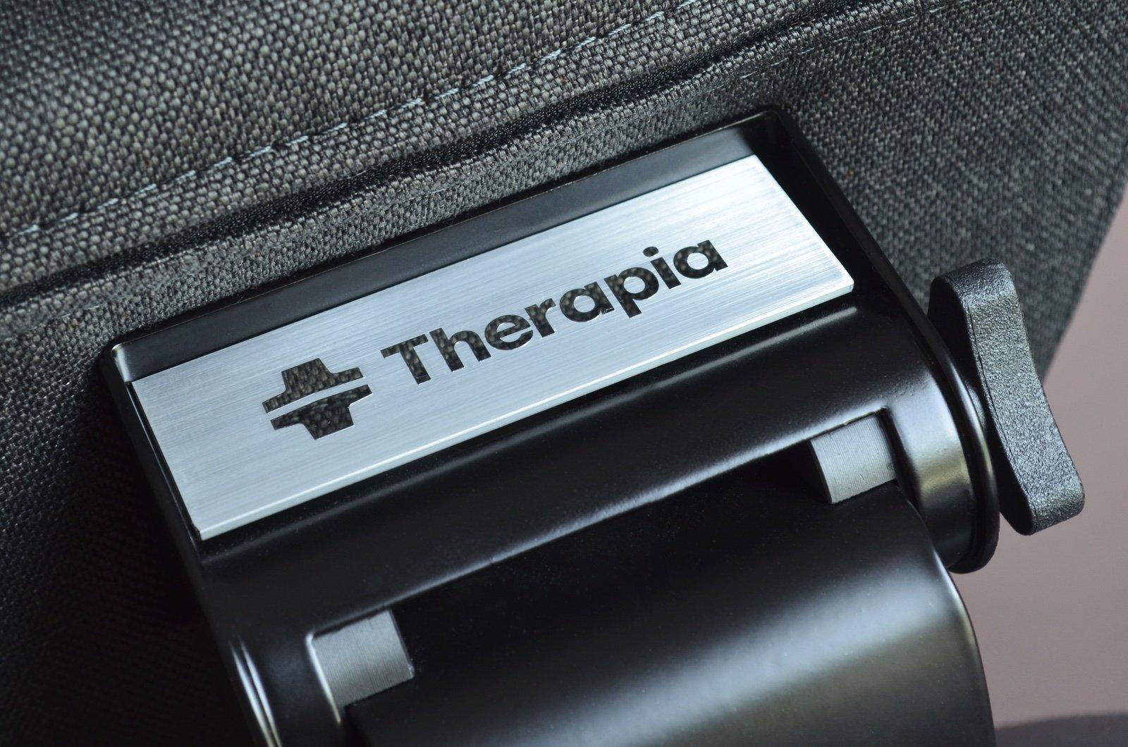 Zadní strana hlavové opěrky židle Therapia Sense
