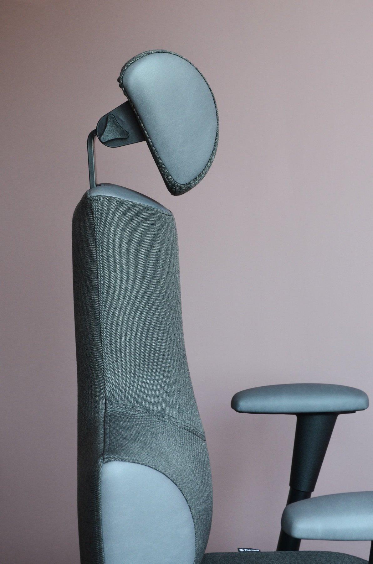 Boční pohled na zádovou opěru židle Therapia Sense