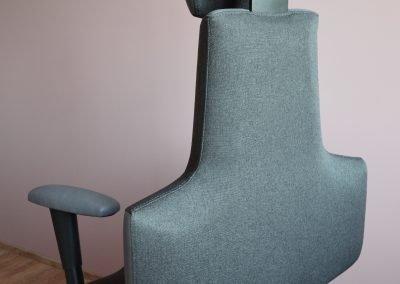 Pohled na židli Therapia Sense zezadu